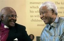 Desmond Tutu con Nelson Mandela