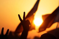 la_lotta_dei_popoli_arabi_per_liberarsi_delle_dittature_colluse_con_USA_e_ISRAELE_1
